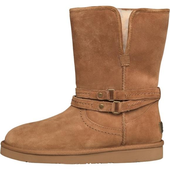 43e0a3d0518 NWT UGG Australia Women's Palisade Boots Chesnut NWT